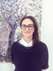 dr. Daniela Catanas r