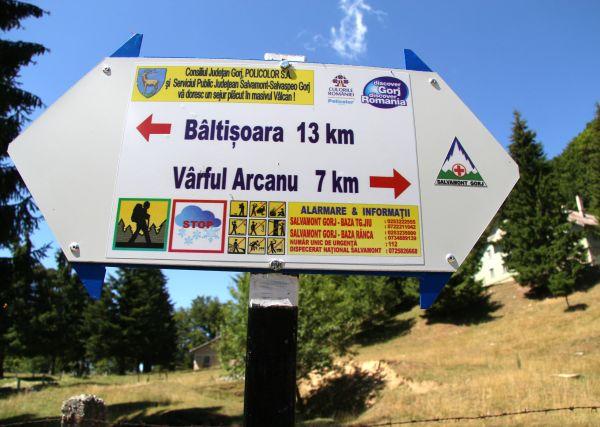 Refacere marcaje traseu montan & stalpi pentru orientare turistica r