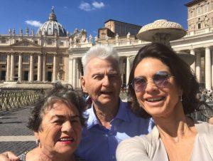 Ramona Badescu si parintii ei, la Roma - Vatican