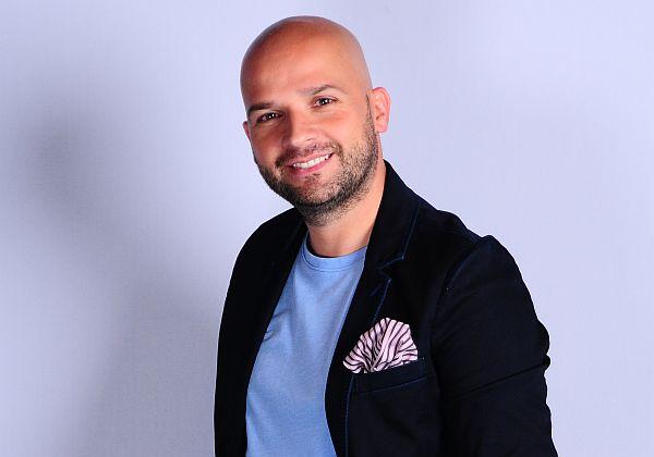 Andrei Stefanescu r