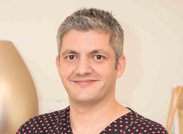 dr-adrian-mina, r