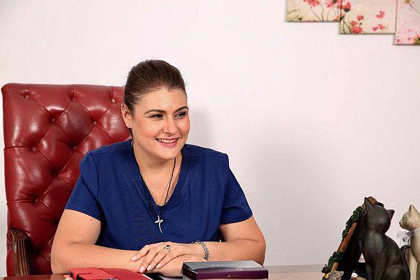 dr. Ruxandra Sinescu, medic, rinoplastie