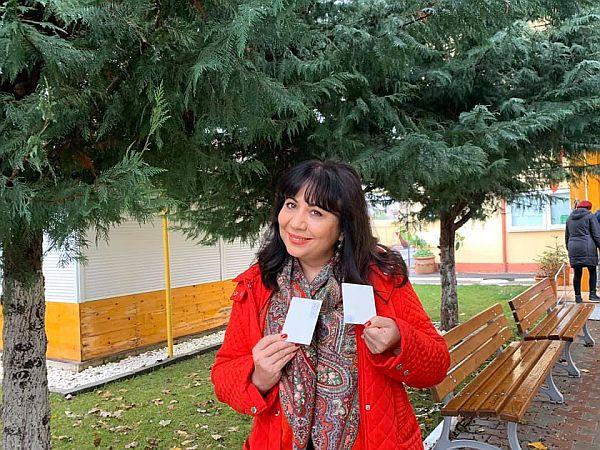 Mirela retena si prietenii ei au votat, George Rotaru, Alina Negoiasa