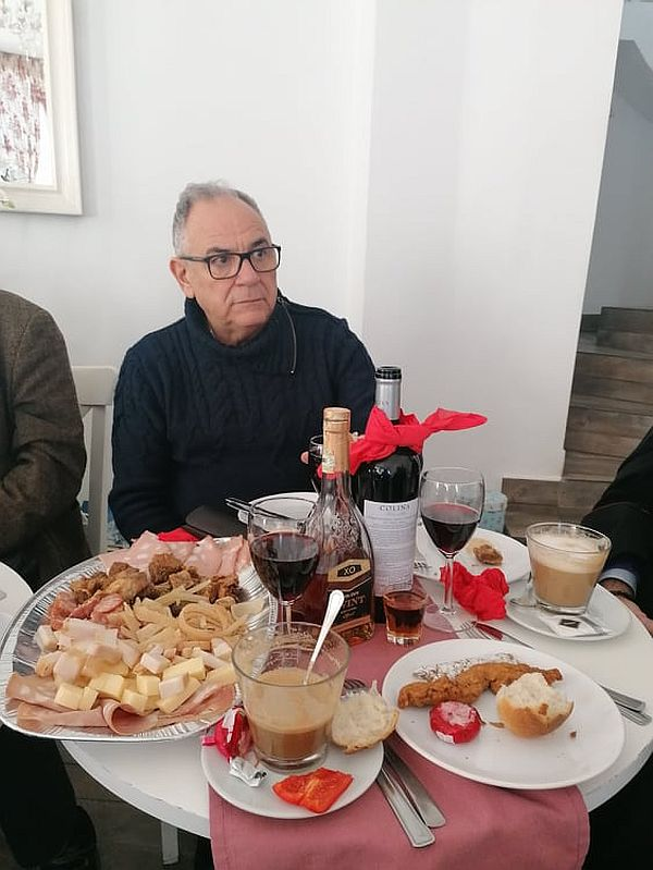 george Rotaru a luat parte la parastasul lui Dolanescu