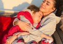 Andreea Mantea se află cu fiul ei în Turcia, unde filmează pentru Kanal D! Bruneta spune că panica  aduce mai multă suferință de cât pandemia în sine