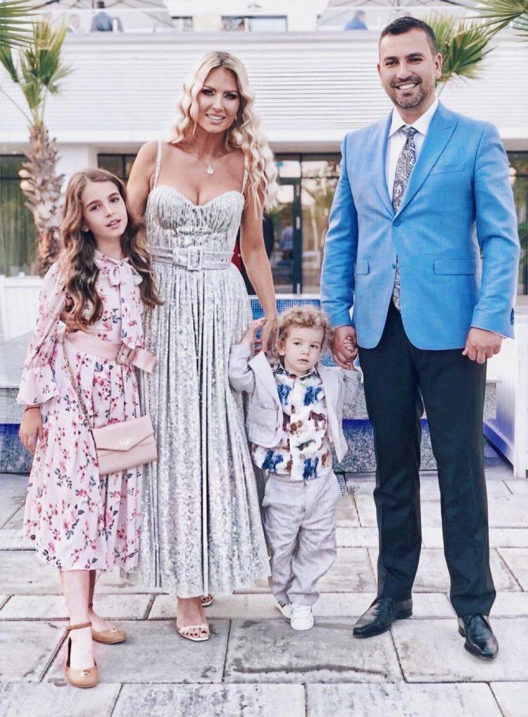 Andreea Banica si familia sa