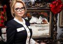 În Ajun de Crăciun, pictorița Nicoleta Stati oferă în dar un tablou în valoare de 20.000 de euro